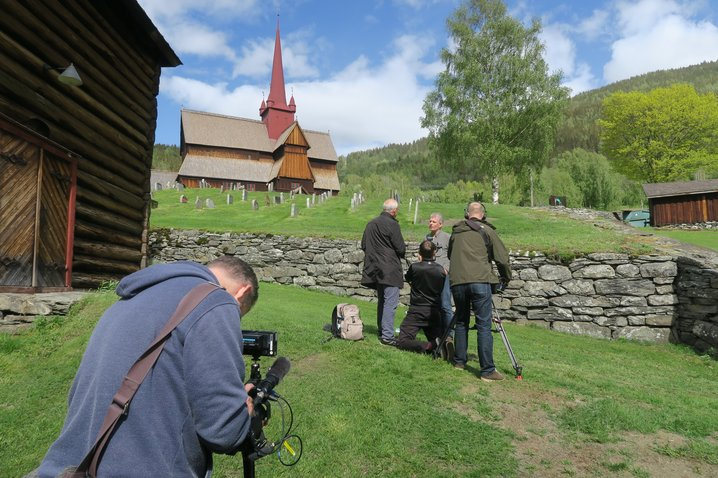 Lars Mytting interviewed by Christhard Läpple from ZDF in front of Ringebu Stave Church.